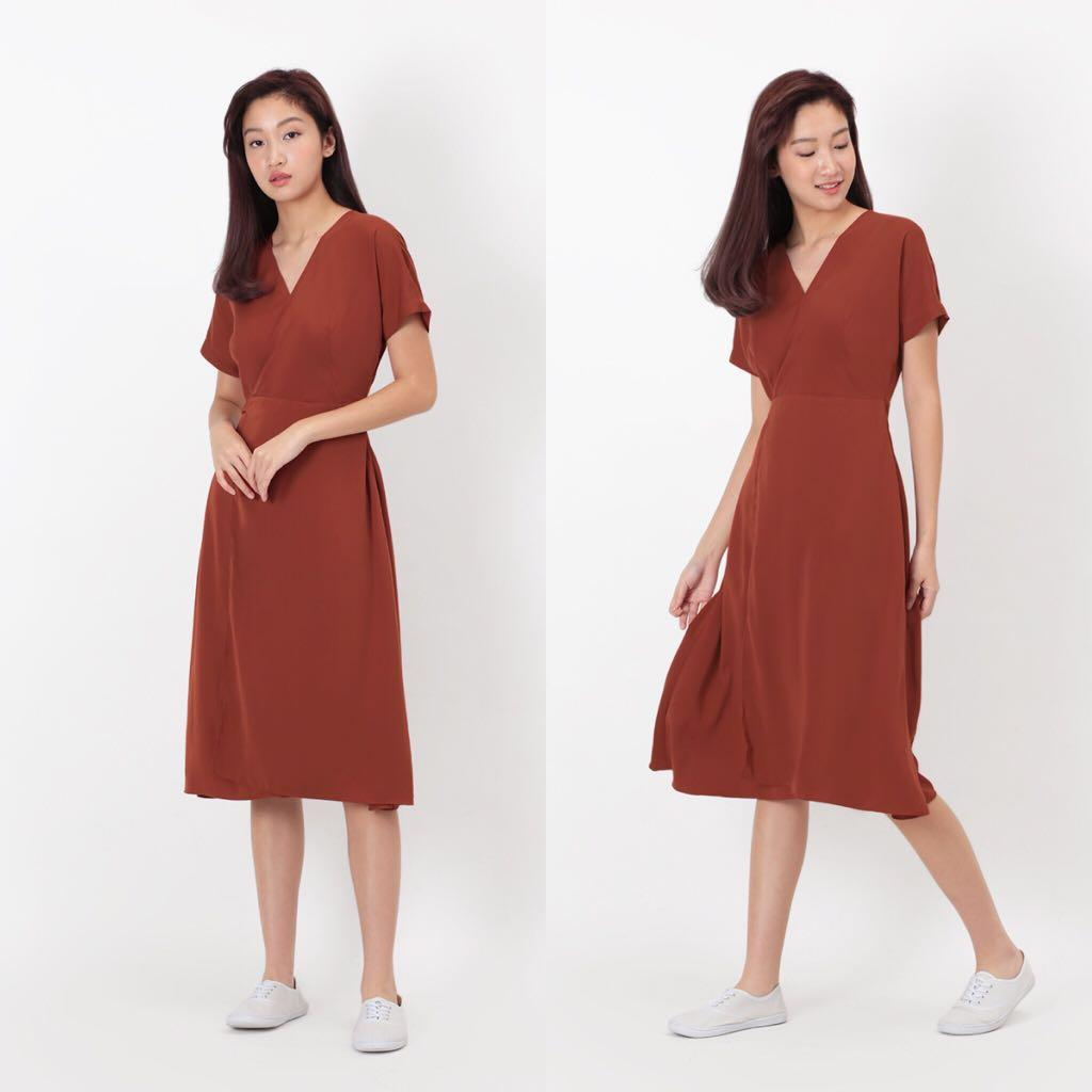 AFA Avery Midi Wrap Dress - Maple (S)