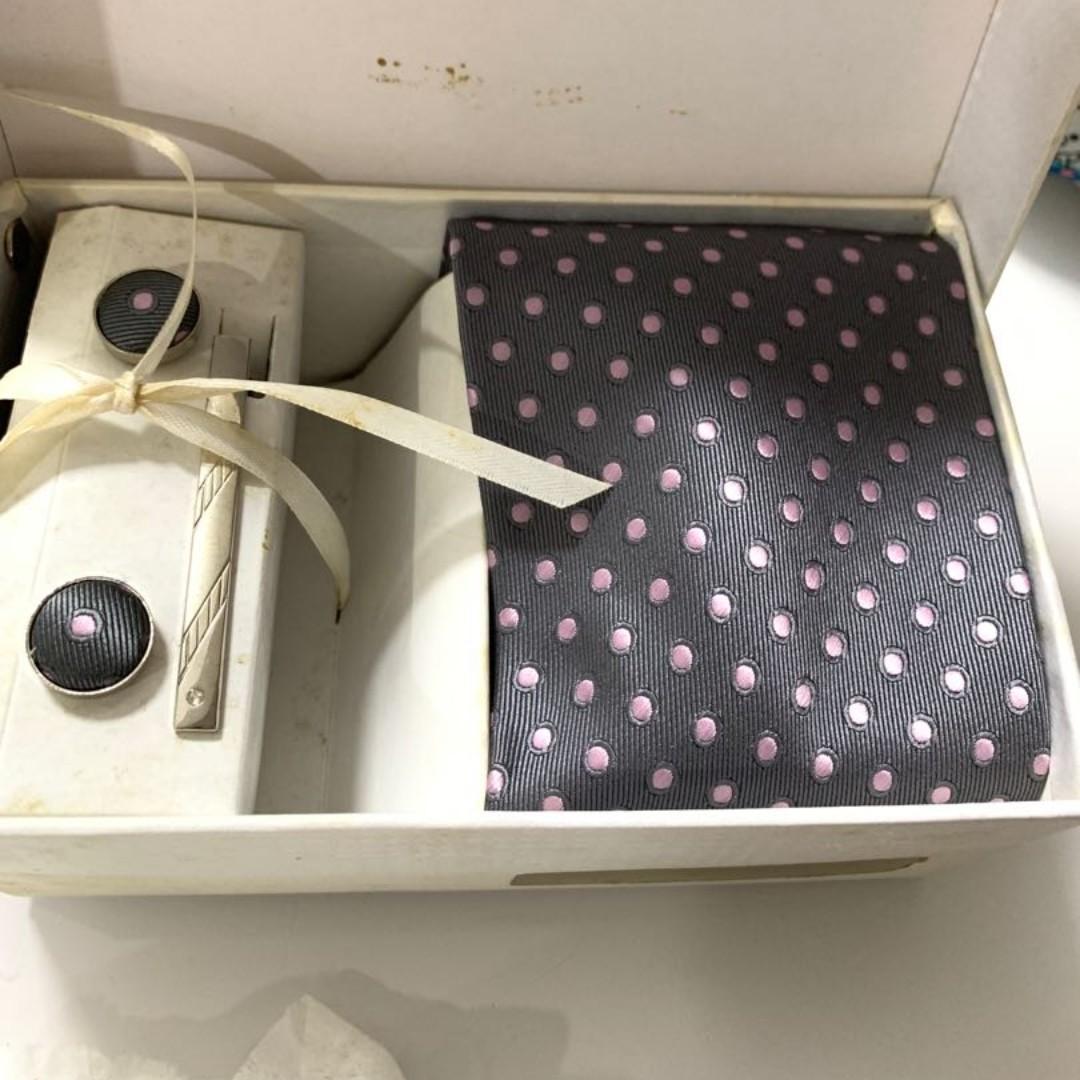 Calvin Klein Tie set