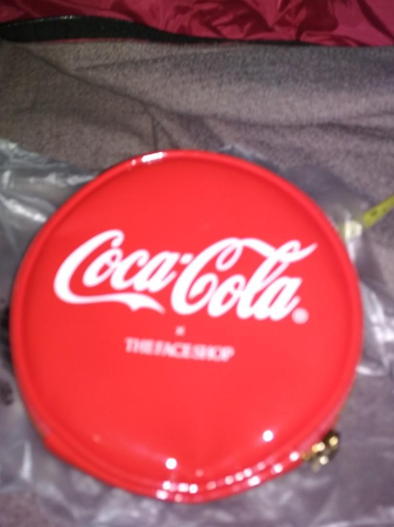 Coca Cola x THE FACE SHOP Makeup pouch #MRTPunggol #MRTSengkang #MRTHougang #MRTSerangoon #MRTBedok #MRTTampines