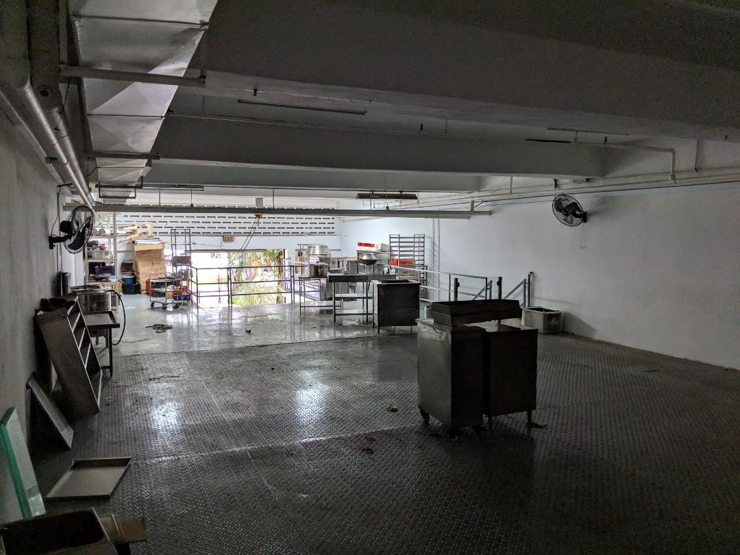 Double Level Office/Warehouse/Factory/Showroom Rental in GOOD LOCATION!!