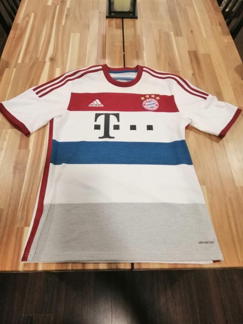 online store fdced 2ba3f Original Bayern Munich jersey, Sports, Sports Apparel on ...