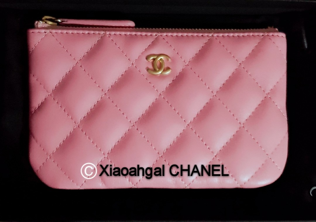 17fcb791e7428d QYOP •Rare Pink• Chanel 19S Authentic limited Pink Mini o case cards ...