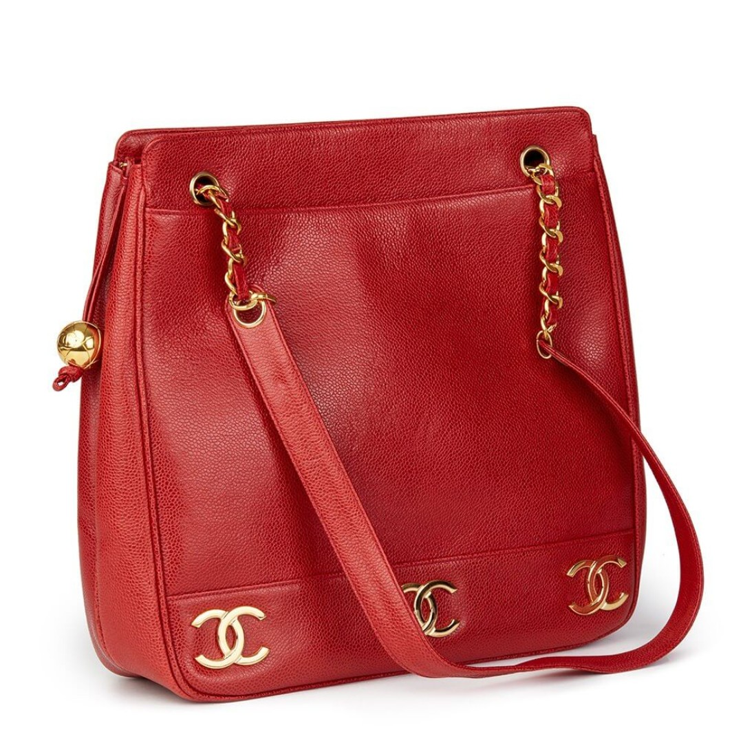 c86405d65b20 RARE Authentic Chanel Vintage Jumbo Large Red Caviar Shoulder Logo, Women's  Fashion, Bags & Wallets, Sling Bags on Carousell