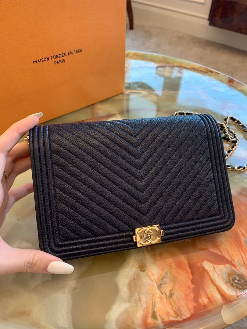 a5f119f207a8 RECEIPT) Chanel Boy Wallet on chain navy chevron caviar