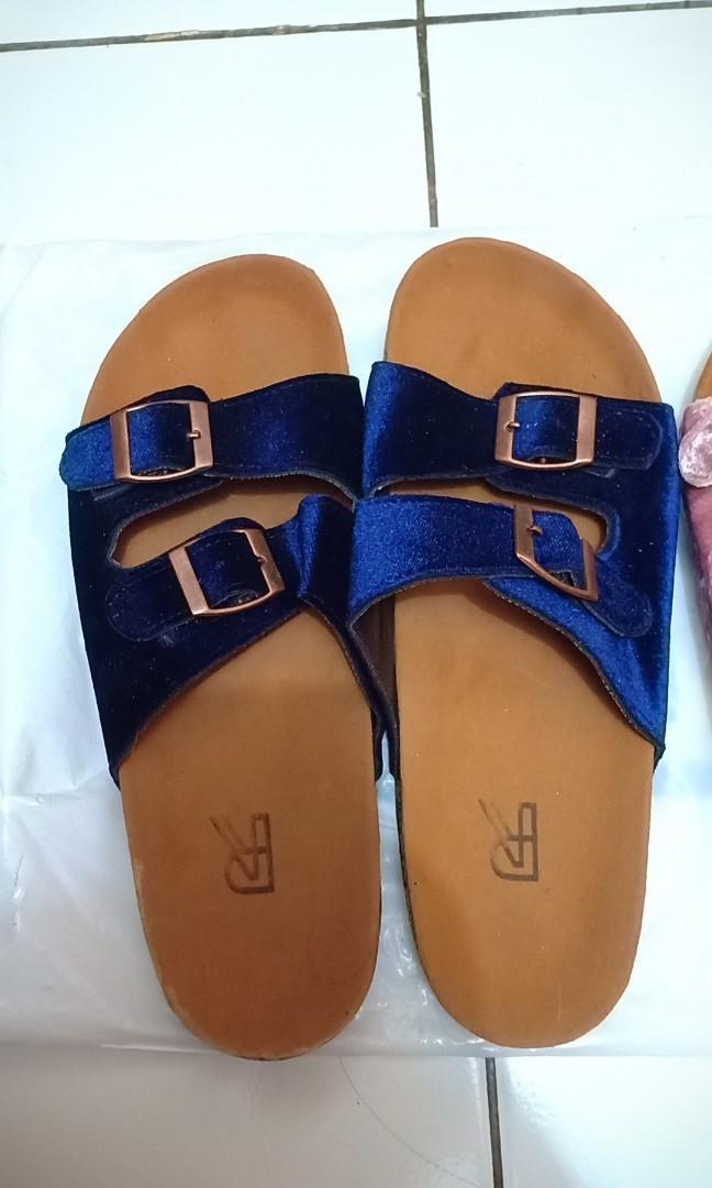 Sepatu Sandal Velvet