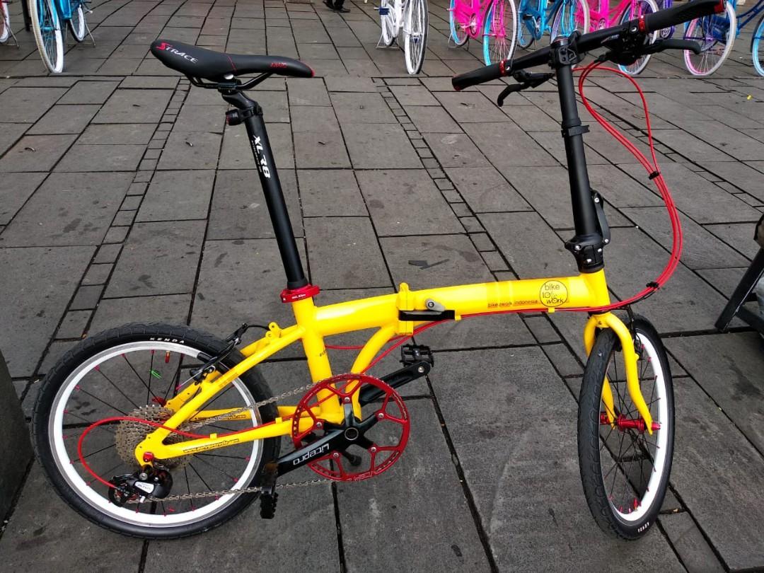 Sepeda Lipat Polygon Cosmo - B2W Original (20 inch