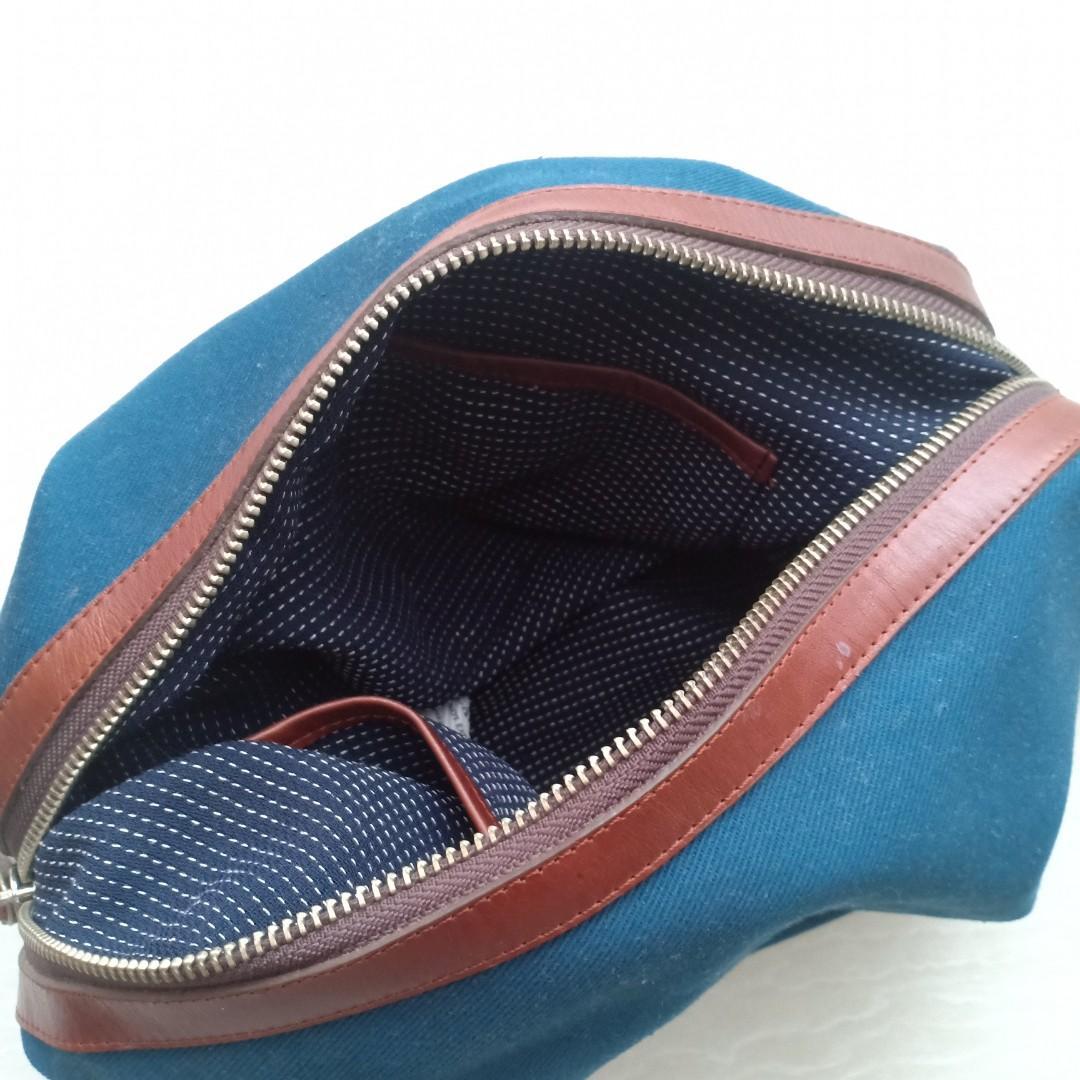 Toiletries Kit / Dopp Kit / Travelling Pouch Welkin & Spine - Navy Blue