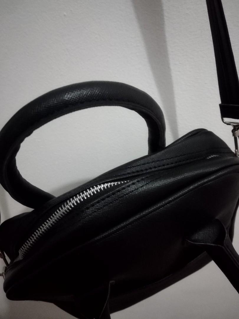 Viona Sling bag