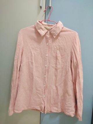 粉紅色襯衫