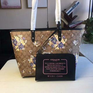 🚚 Coach Reversible City Tote With Medley Bouquet Print Preorder