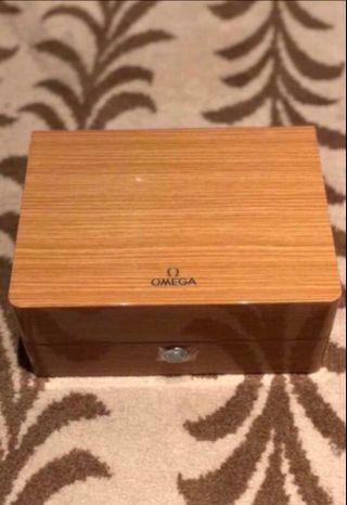 🚚 Omega Wooden Watch Box