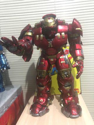 Hulkbuster hot toys