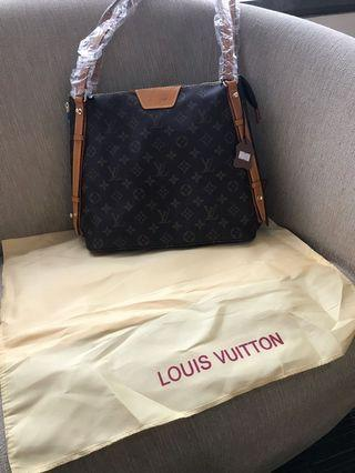 Tas Louis Vuitton semprem