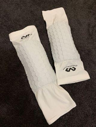 McDavid knee sleeves