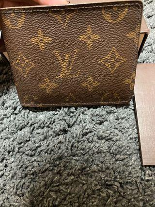 c347dc912fa4 Louis Vuitton Wallet (nego available)