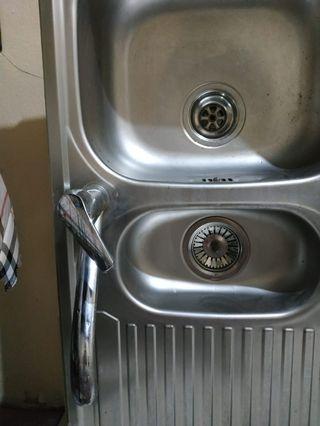Dijual cepat tempat cuci piring second tp msh bagus banget