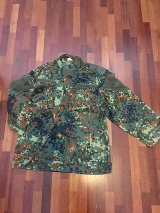 Paintball Army Camouflage top / camo shirt. Refer to pic for more info on sizing #UNDER90