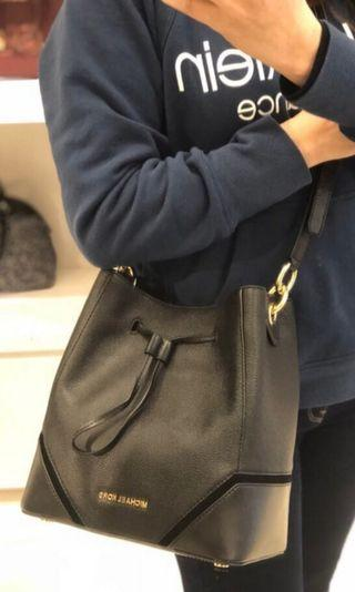 250 LIMITED STOCKS ONLY! Michael Kors Large Bucket Bag ☆AUTHENTIC☆