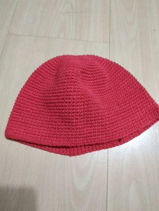 BN small crochet red beanie