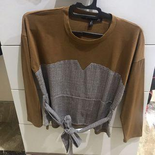Brown houndtooth longsleeve top with waist tie