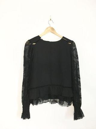 MOON RIVER black lace long sleeve NWT