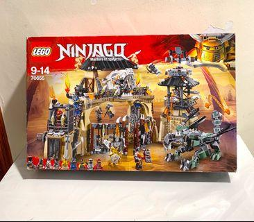 Brand new LEGO 70655 Ninjago Dragon Pit
