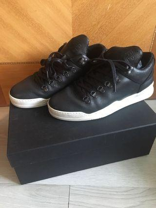 Filling Pieces Causal 鞋