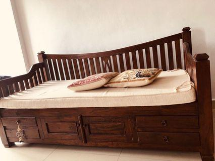 Day bed, 3 seater size