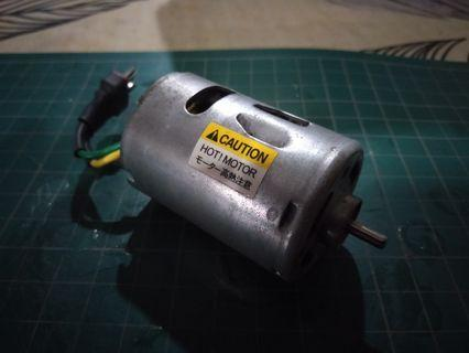 540 RC car motor with deans connector