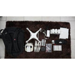 DJI Phantom 4 + 2 Battery + Battery Hub + Accessories + Wildpie Backpack