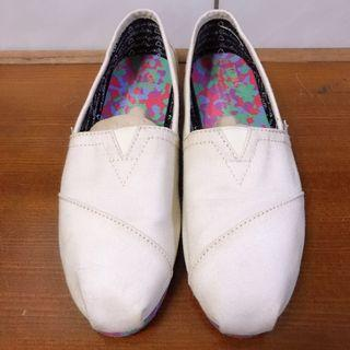 TOMS米白燕麥色休閒平底鞋