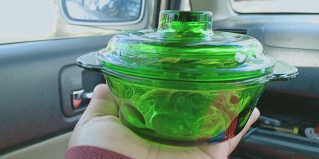 Mangkuk kuih hijau