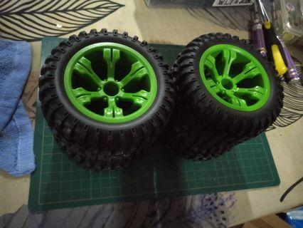 RC monster truck tyres 1/10