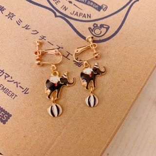 Dumbo elephant earrings earclip 耳夾