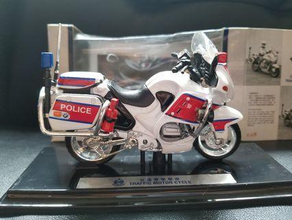1比18警察電單車模型