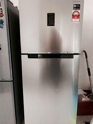Samsung Fridge digital inverter 450L like new