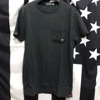 🚚 Superdry 極度乾燥 短袖T恤 短T 素T 口袋T 二手 S 黑色