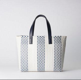 6709bf5ca859 Bluelabel Crestbridge Striped Mercado Bag