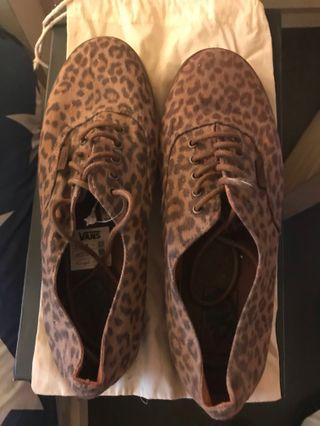 VANS 型格豹紋鞋100%real US號8.5(女)US號7(男)