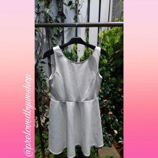 Dress putih Forever21