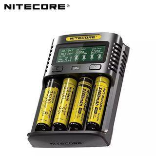 Original Nitecore UM4 USB QC Battery Charger Intelligent Circuitry li-ion AA AAA 18650 21700 26650