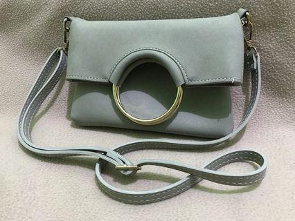 Usupso Sling Bag