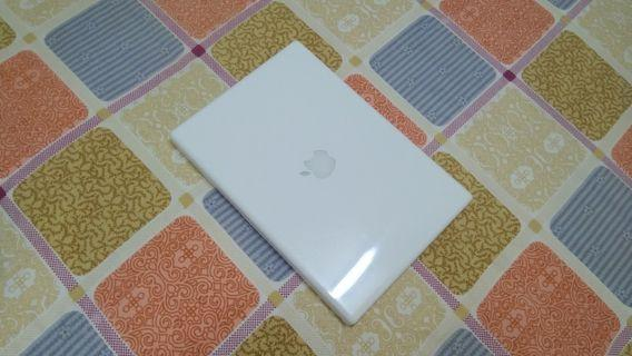 MacBook White Good Speed 13 Inch Nice Business Laptop