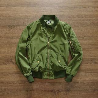 香港潮牌【izzue】軍綠色飛行夾克XS