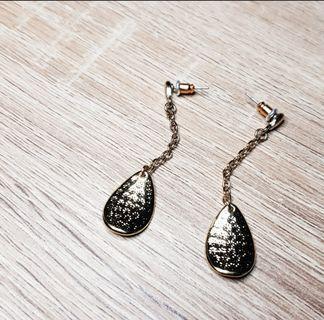 Fancy Dangling Earrings (Hammered Gold)