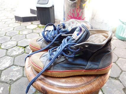 Sepatu made in korea model vintage