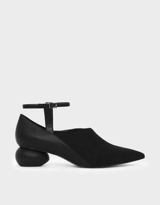 100% New CHARLES & KEITH 圓石造型跟尖頭鞋