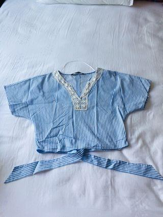🚚 Zara blue crochet blouse