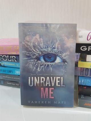 Unravel Me by Tahereh Mafi [PRELOVED]