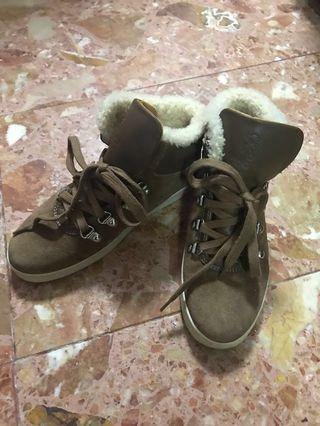 二手 Gucci Leather shoes 名牌童裝 made in Italy 🇮🇹 猄皮併羊毛 原價$2200 size 32 合 7-8y